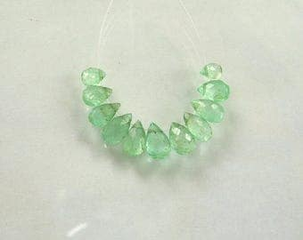 Emerald  faceted pear bead AA 4.5-7mm 11pcs