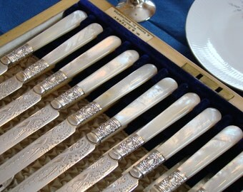 Antique Set 12 Fruit Knives and Forks-Mother of Pearl & Silver Plate-silver plated desert set-late 19th-Gorgeous cutlery set-set  24 piece p