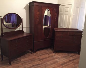 Edwardian Mahogany Inlaid Mirror Door Wardrobe in good original condition