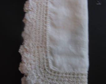 Pretty Edging Handmade Ivory Vintage Hankie Estate Sale Shabby Chic 13 inches by 13 inches