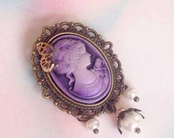 Victorian lady cameo brooch