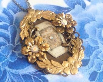 Arabesque clock necklace