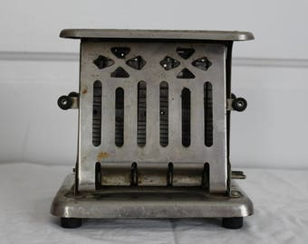 Antique toaster Thermax Landers, Frary, and Clark, patented 1914