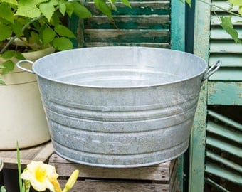 Vintage Galvanized Wash Tub, Metal Wash Pot, Bucket, Zinc Metal Garden Planters, Water Tub, Plant Flower Pots, Rustic Home Decor, Flower Pot