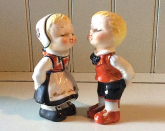Vintage Swedish Figurines/Ceramic Figurines/Kissing Figurines/Collectible Figurines/Scandinavian Figurines/Boy, Girl Figurine/Valentine Gift
