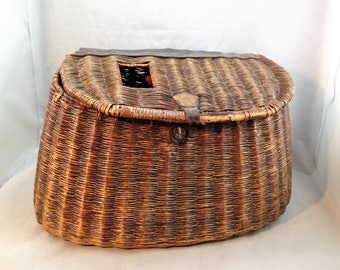 """Vintage Wicker Fishing Creel 'NEEDS REPAIR""""  with Leather Straps and Decor   01769"""