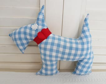 My pillow in blue and white gingham Bobby