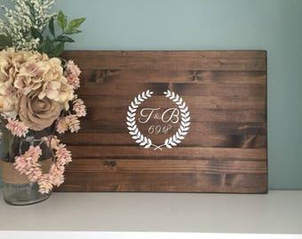 Rustic Wedding Guest Book Alternative, Laurel Wreath Design with Initials, Painted Rustic Wedding Decor Wood Guest Book Country Wedding