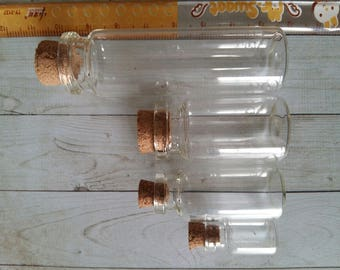 lot de fioles en verres tailles diverses