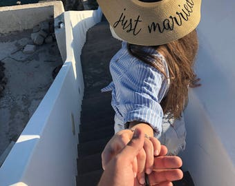 Just married personalized floppy hat,Personalized beach hat, Personalized hat, Embroidered Straw Hat, Custom hat, Bride gift,  Bridal Gift