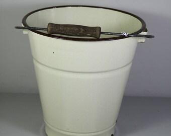 Small vintage Enamel Bucket
