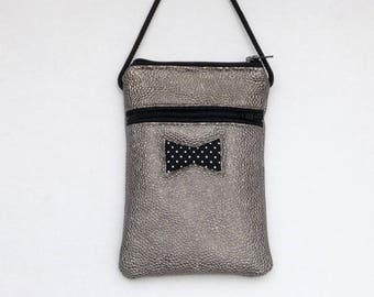 BAG HAS HANDMADE CELL PHONE