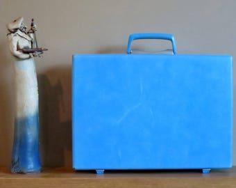 Samsonite Baby Blue Hard Shell Briefcase Attache With Key - Rare Retro Case