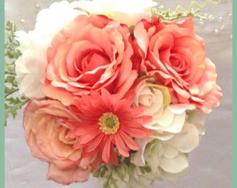 Coral bouquet, roses, daisies and hydrangeas. Bridal bouquet. Rustic wedding. Burlap decor.