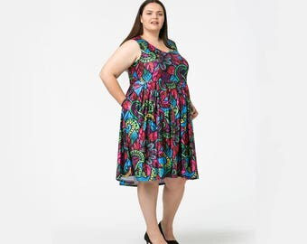 Vee Sleeveless dress in new spring prints inc Paisley Feather available on pre-order! Size 6 - 34