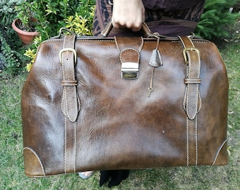 Vintage Leather Bag/Leather Luggage, Doctor's Style Leather Bag brown Leather Bag, Doctors Bag, suitcase, vintage Weekender Leather Suitcase
