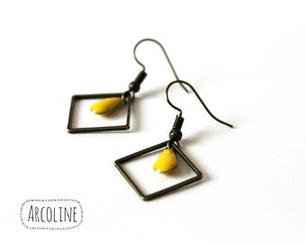 Yellow square ring enamelled Sequin earrings