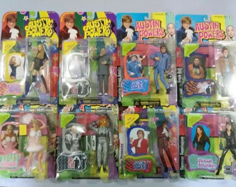 Lot of 8 Austin Powers Figures New in Box plus Bobblehead Figure