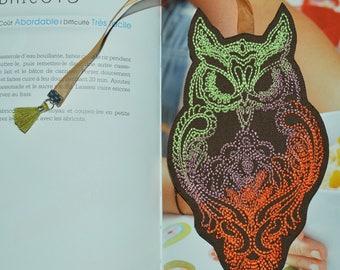 Tri-color OWL bookmark