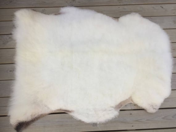 Soft sheepskin rug from Norwegian norse breed - 17101