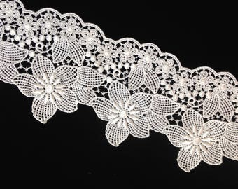 """Soft White Pt. de Venise Lace, floral motif, rayon, vintage, 4.25"""" wide, offering in 4 yard increments, 7 lots available."""