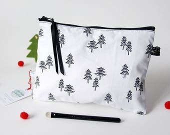 Model Kit bear/trees - 21 x 16 cm (bag lining and pocket with zipper) black and white