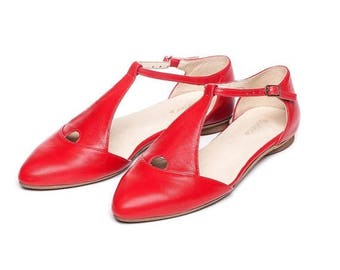 SALE Red shoes, red sandals, women's shoes, flat sandals, handmade leather shoes, by Burlinca. Eiffel model
