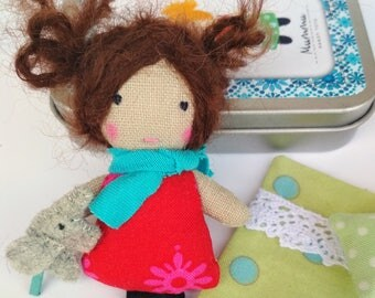 Super Mini Ragdoll (2.7 in) in the Box - Red-Pink / Annamari, Owner of Mummutown / Soft Toy / Stuffed Doll / Matchbox Doll