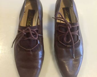 1960s Lace Up Brown Leather Pumps // Elastic Top // Made in Brazil // Sz 6