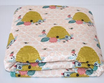 SALE - beehives on shell quit, toddler quilt, baby quit, teal, gold, peach