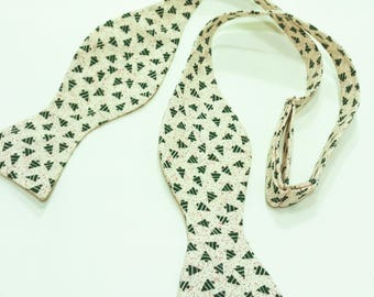 Tiny Christmas Trees Holiday Self Tie Bow Tie Green Great for Holiday Christmas Party Adjustable