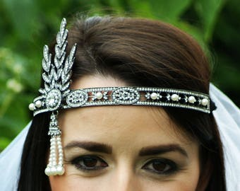 Wedding Crown Gatsby Hen Party Veil - 1920s Bachelorette veil - flapper - and pearl stylish headpiece bridesmaid bride wedding