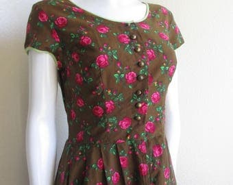 vintage 60s dirndl traditional Alps peasant dress with small ruffle in the back- Original Munchner small