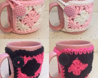 Crochet Mug Cozy made of cute Granny Squares, ideal gift for coffee lover, tea lover, teacher gift, holiday gift, office gift, ready to ship