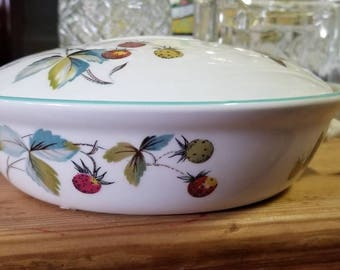 1 Qt Round Covered Casserole in Strawberry Fair (Oven To Table,Bluetrim) by Royal Worcester