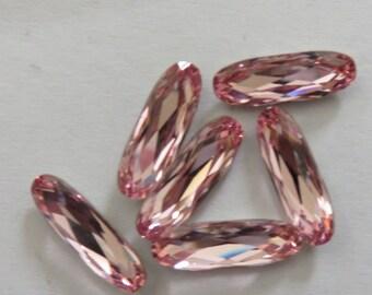 Oval cabochon Swarovski 15 x 5 mm Light pink
