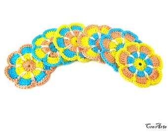 Set 6 crochet flower appliques, set 6 fiori colorati all'uncinetto