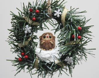 Sasquatch Wreath - Gold with berries and snowflakes