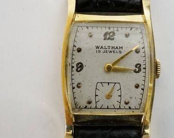 Vintage Mens 14K Gold Waltham Watch. 19 Jewels. Winding Movement