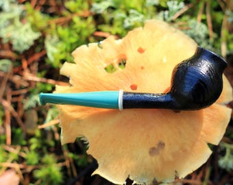 "Briar Smoking Pipe ""Devil Poppy Boll"" Sandblasted, no filter, UNSMOKED"