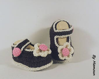 Vanilla chocolate Strawberry hand crocheted by me (0-3 months) baby ballerina booties