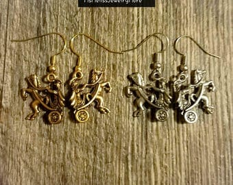 Chariot earrings