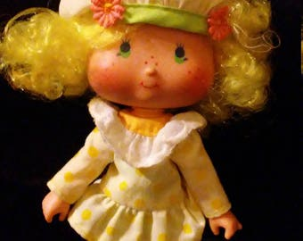 Vintage 1980s Strawberry SHORTCAKE Lemon Meringue Doll!!