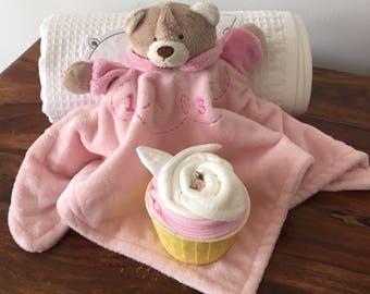 Teddy comforter, blanket and cupcake gift set