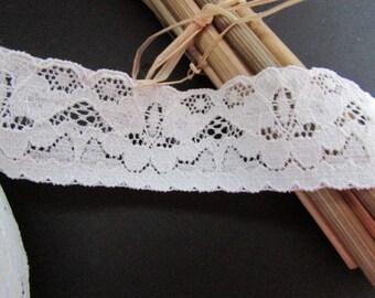 Stretch lace 100% polyester Ecru - width 2.5 cm - ref 10.17