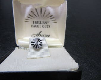 Beautiful Vintage Anson Brilliant Facet Cuts Tie Tack