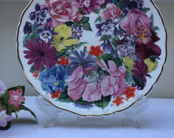 Delightfully Lovely Vintage Royal Albert Collectors Plate, 'Ascot Bouquet'