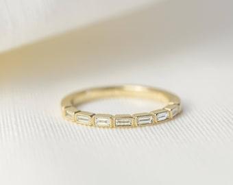 Baguette Diamond Wedding Band/Band ring in 14K/18K solid gold and platinum, milgrain edge