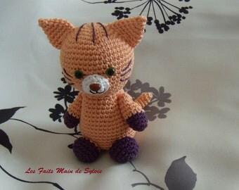 Mango crochet cat