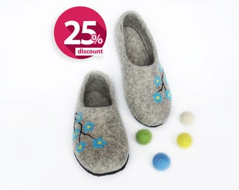 Natural grey slippers Womens shoes Handmade slippers house  felted shoes - wool house shoes - felt shoes - felted wool shoes warm slippers